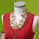 Halskette im Pflanzenlook