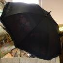 Schirm in altertümlichem Stil