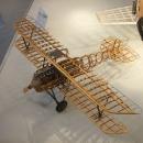 altes Flugzeug, unbeplankt, die Zweite