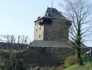 Über allem dräut die Burg