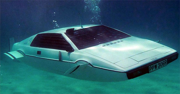 Zu kaufen: James Bonds U‑Boot-Lotus Esprit