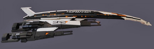 MASS EFFECT: Normandy aus Lego