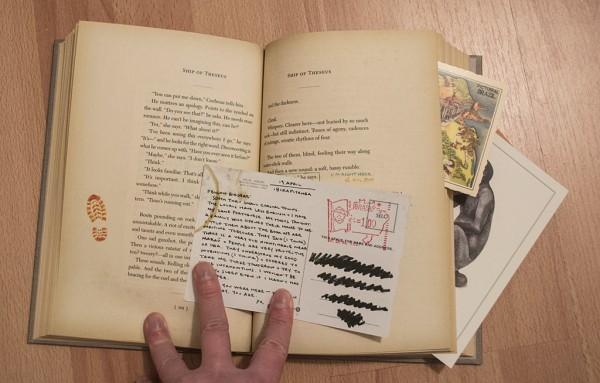 Buch mit Gimmicks