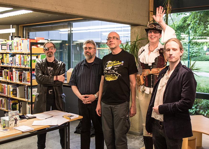 Steampunk, Bücher und Akkordeon – Event-Lesung in der Bibliothek Monheim
