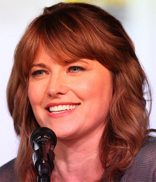 Lucy Lawless bei ASH VS. EVIL DEAD