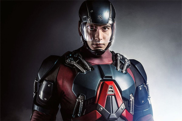 Brandon Routh als Atom
