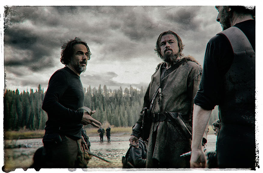 Regisseur Alejandro González Iñárritu mit Leonardi DiCaprio und wahrscheinlich Kameramann Emmanuel Lubezki (Bild wurde ohne Erklärung bereitgestellt).