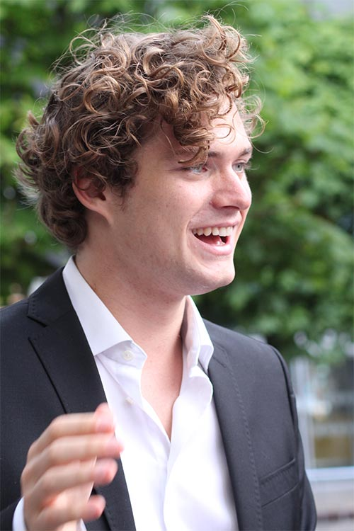 Netflix: Finn Jones ist Marvels IRON FIST