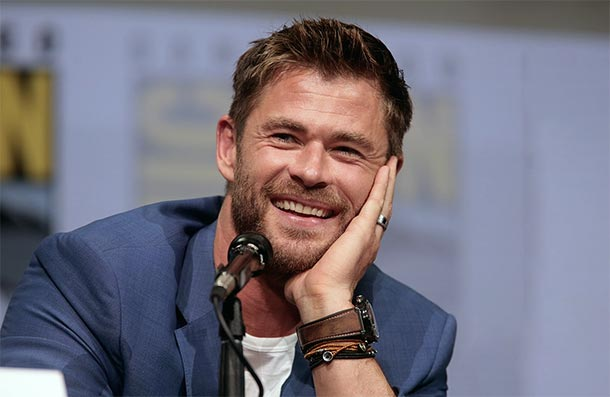 Chris Hemsworth in MEN IN BLACK?